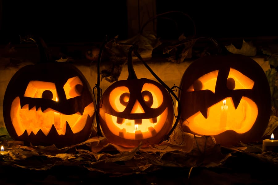 history of pumpkins on halloween