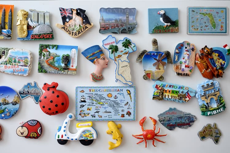 keep souveniers for travel resolutions